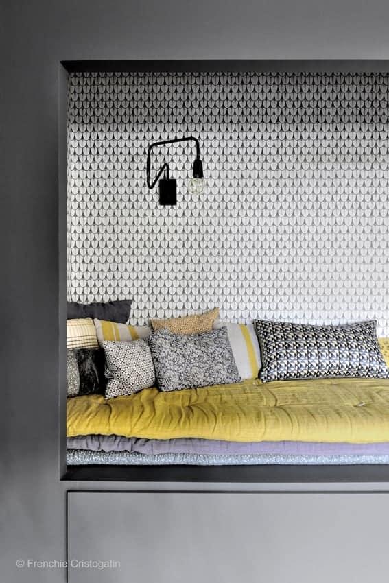 Un lit dans une chambre - agréable